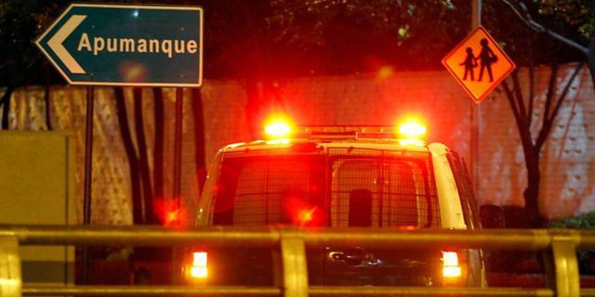 Apuñalan a extranjero para robarle su vehículo en violento portonazo en Las Condes