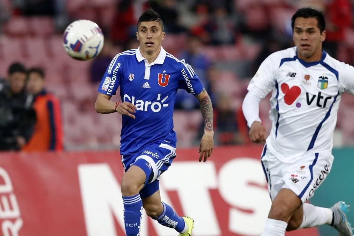 Rubén Farfán logró ser titular en la U de Marco Antonio Figueroa / Photosport