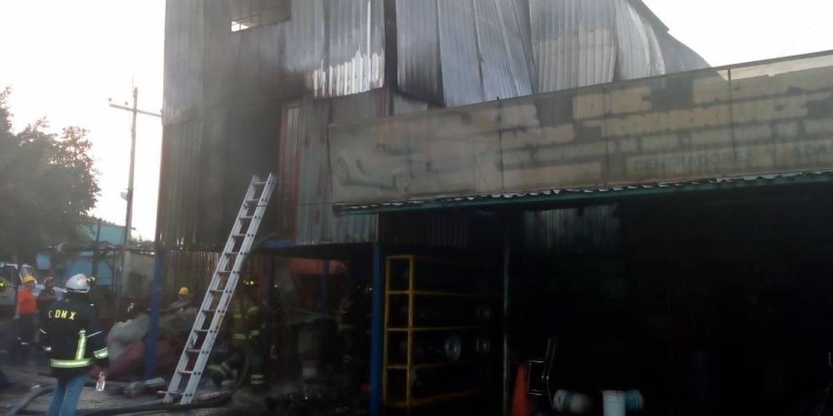 Controlan incendio en bodega de la GAM; no hay lesionados