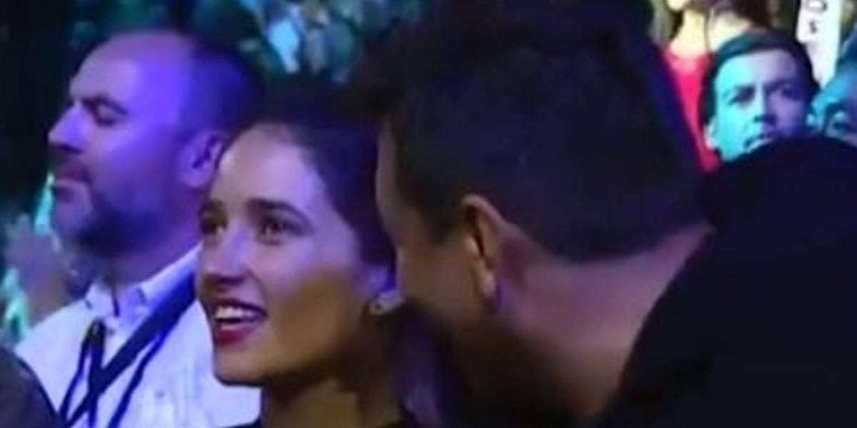 Viña 2018: ¿Nuevo romance festivalero? Julio César y Camila Nash sorpenden con con su cercanía en la Quinta Vergara