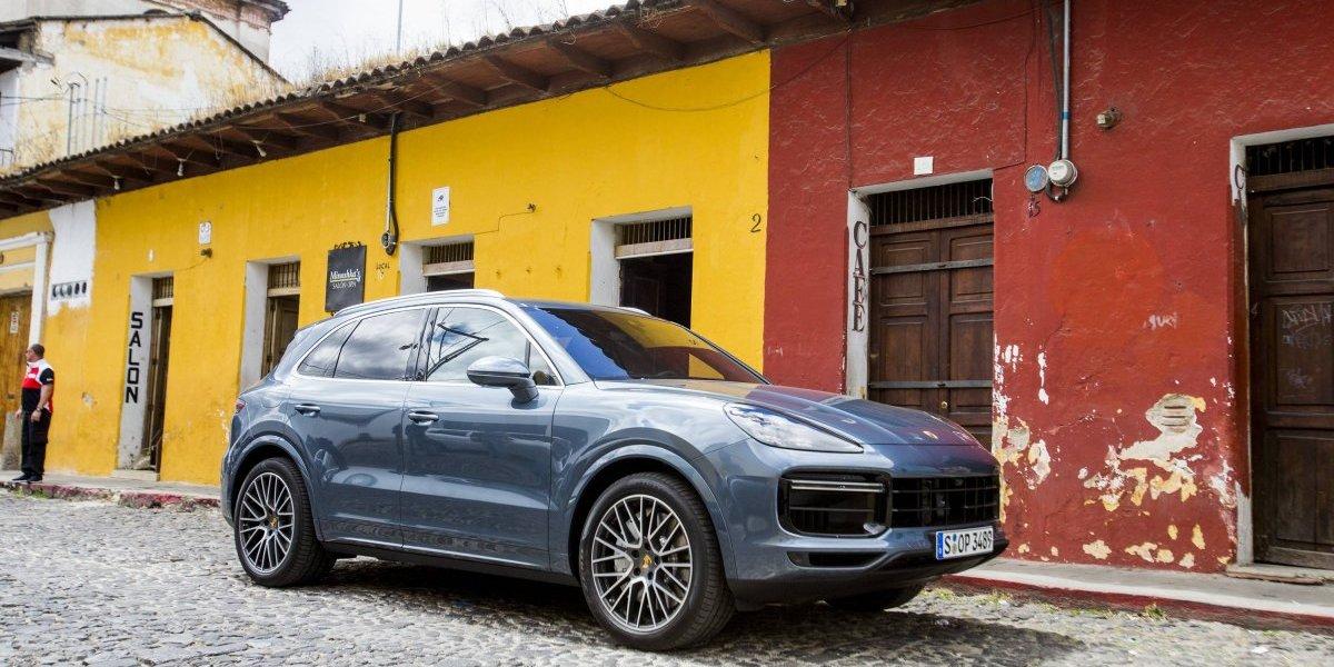 Porsche presume tercera generación del Cayenne