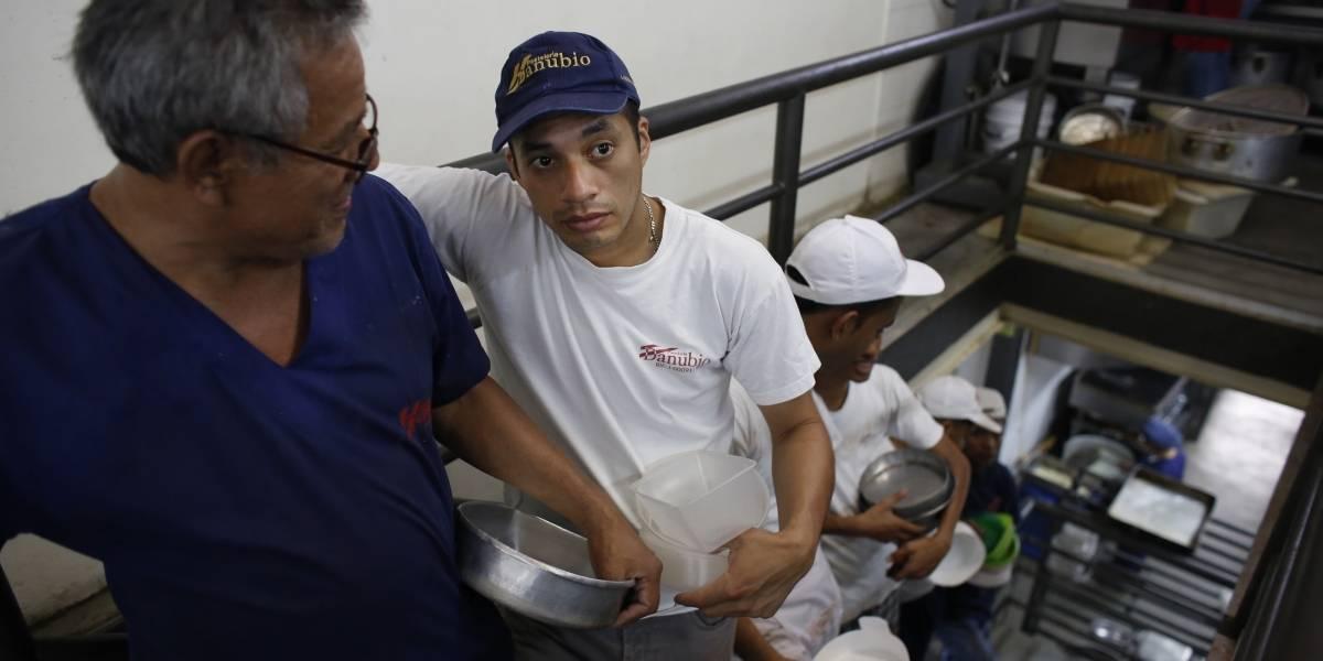El 64% de los venezolanos perdió 11 kilos por falta de alimentos
