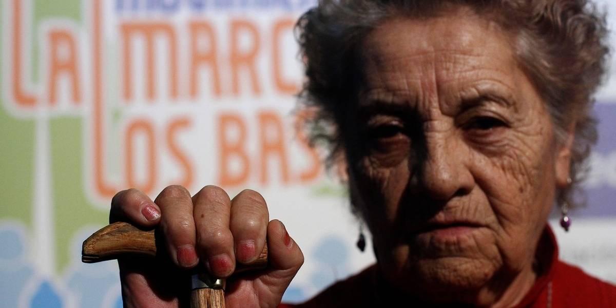 """""""Marcha de los bastones"""": adultos mayores anuncian marcha para recibir a Piñera"""