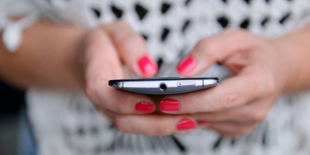 Insólito: delincuentes vieron a una mujer siendo violada y en vez de ayudarla le robaron su celular
