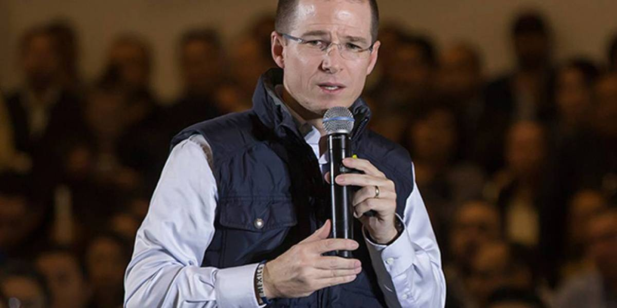 PGR solicita alerta migratoria contra Barreiro, presunto lavador de Anaya