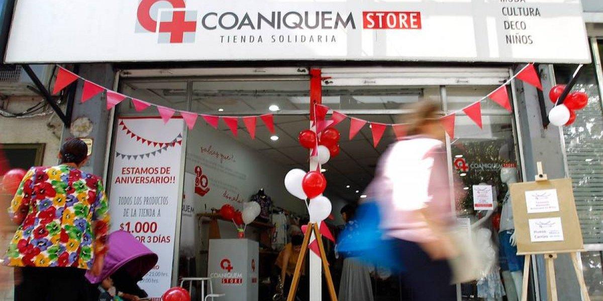 """¡Atentos, buenos samaritanos! Tienda solidaria de Coaniquem celebra aniversario con venta """"todo a luca"""""""