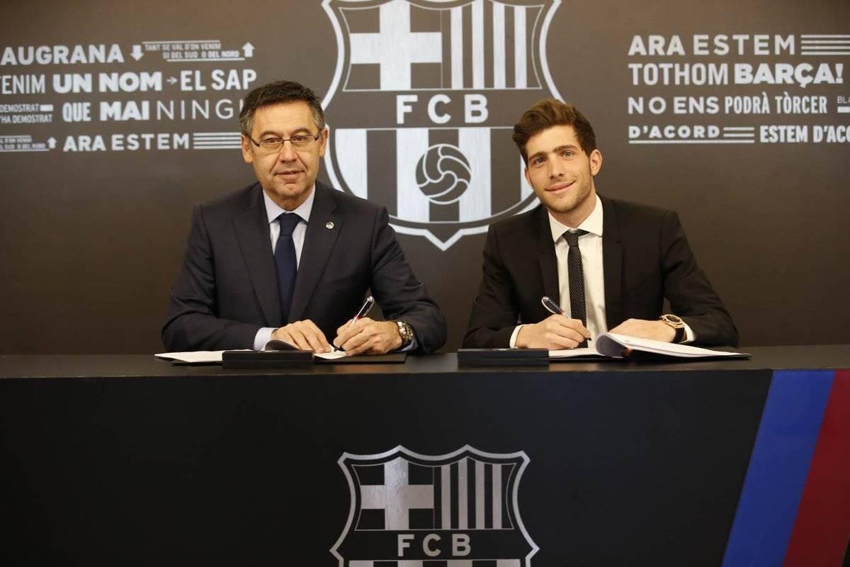 Sergi junto al presidente del Barça Josep María Bartomeu.