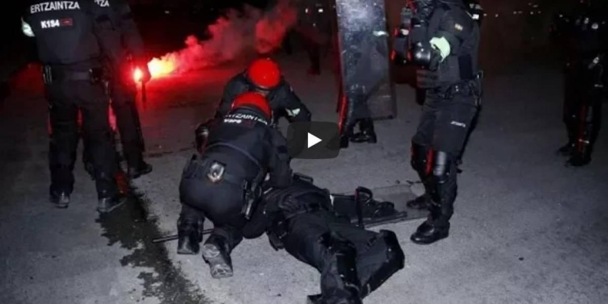 VIDEO: Muere policía buscando detener pelea en Europa League