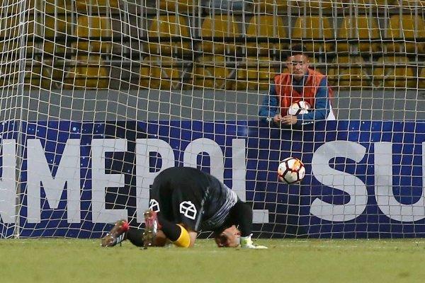 Lobos tuvo un error que le costó caro a Everton / imagen: Photosport