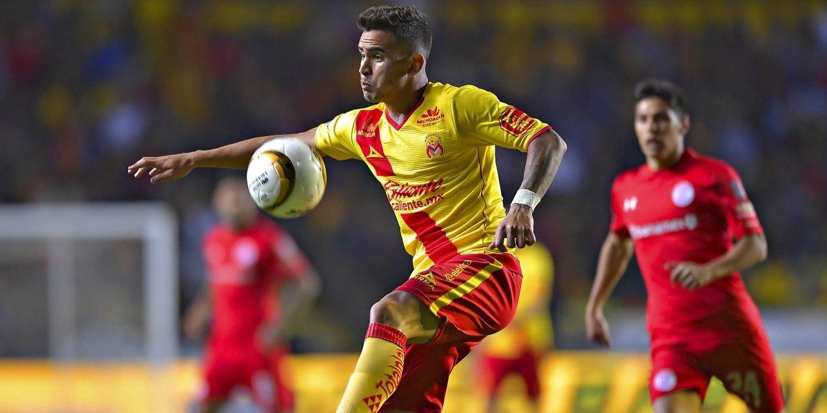 """Sebastián Vegas se candidatea como el próximo central de la Roja: """"Espero algún día jugar con Gary Medel"""""""