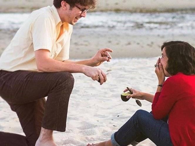 Pedida de matrimonio con aguacate