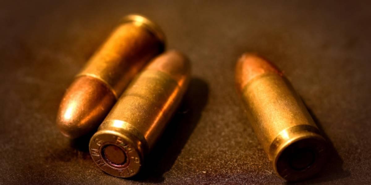 Niña murió por una bala perdida mientras jugaba en el andén