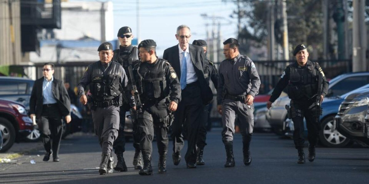 Caso Transurbano: Expresidente Colom y miembros de su gabinete llegan a Tribunales