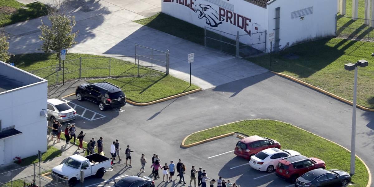 Tiroteo en Florida: oficial de reserva armado no se enfrentó al asesino para detener el ataque