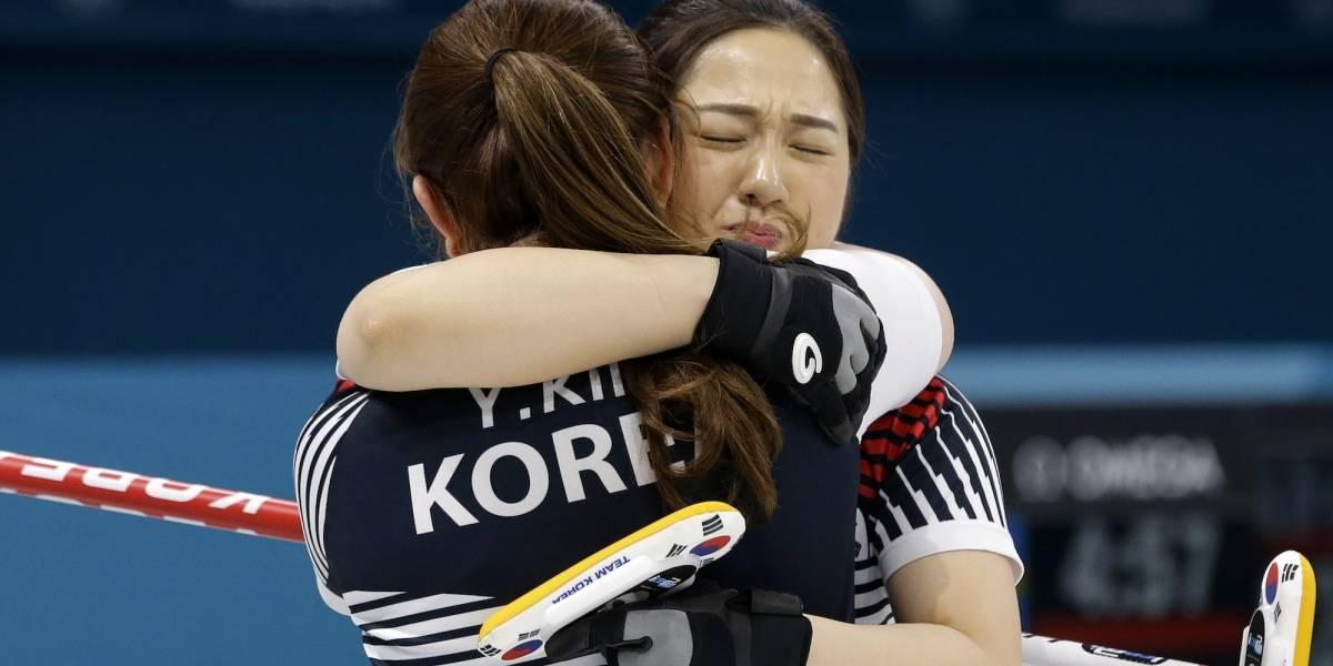 FOTOS: Equipo surcoreano de curling se ha robado el corazón de PyeongChang