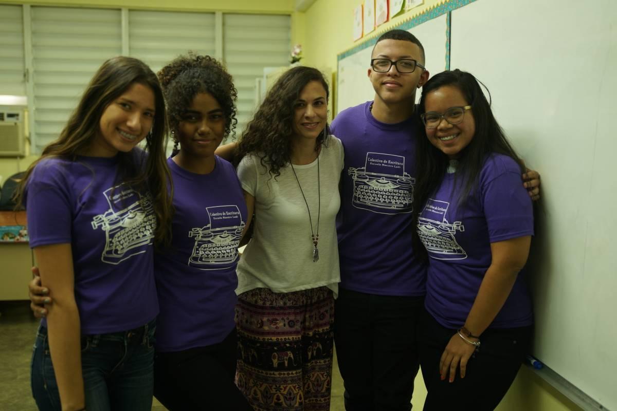 Estudiantes de la escuela superior Ladislao Martínez Otero. Foto Gil Reymundi