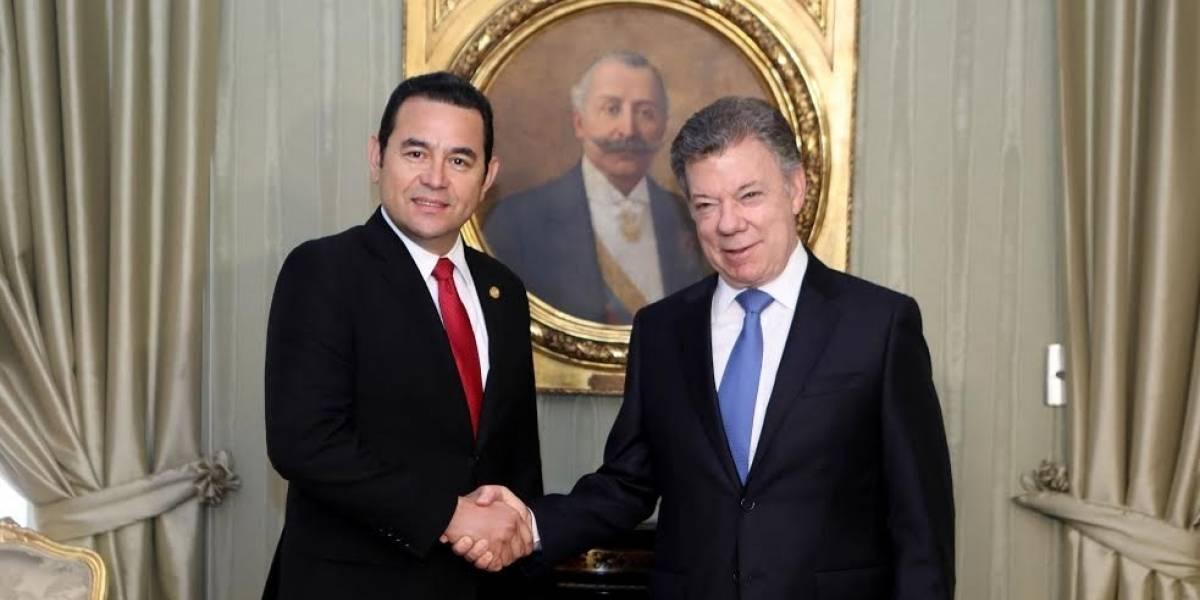 Presidentes acuerdan que Guatemala y Colombia firmen un TLC