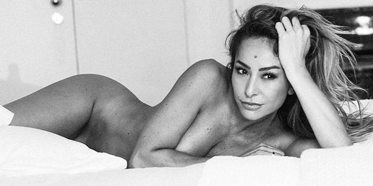 Veja nu inédito de Sabrina Sato aos 22 anos nos bastidores de ensaio para a Playboy