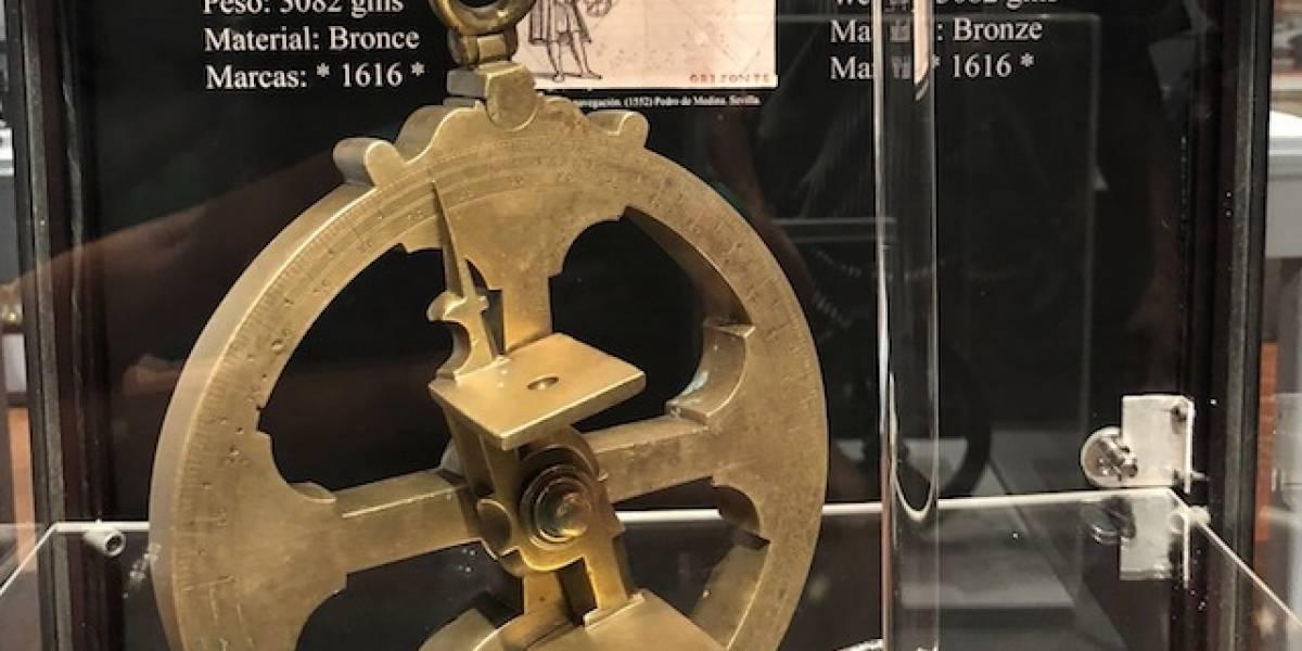 Exponen astrolabio que data de 1616
