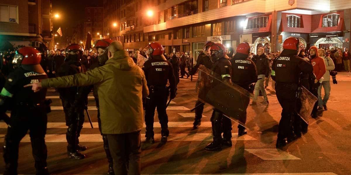 Briga entre torcedores de Athletic e Spartak mata policial