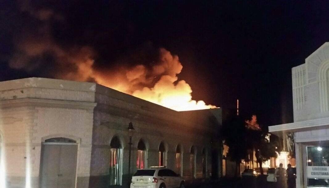 fuego sede populares Ponce