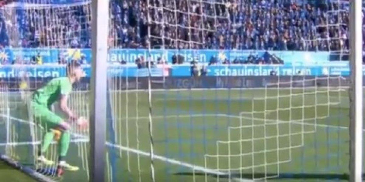 Portero recibe un gol insólito en Alemania