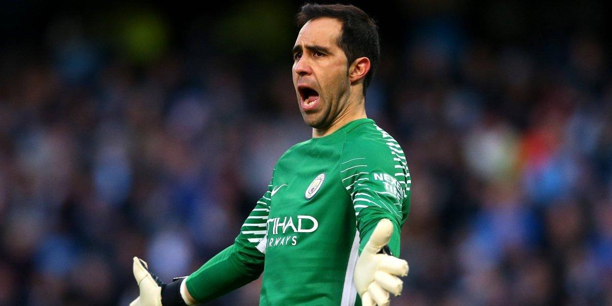 Minuto a minuto: Claudio Bravo busca con el City el título de la Copa de Liga Inglesa