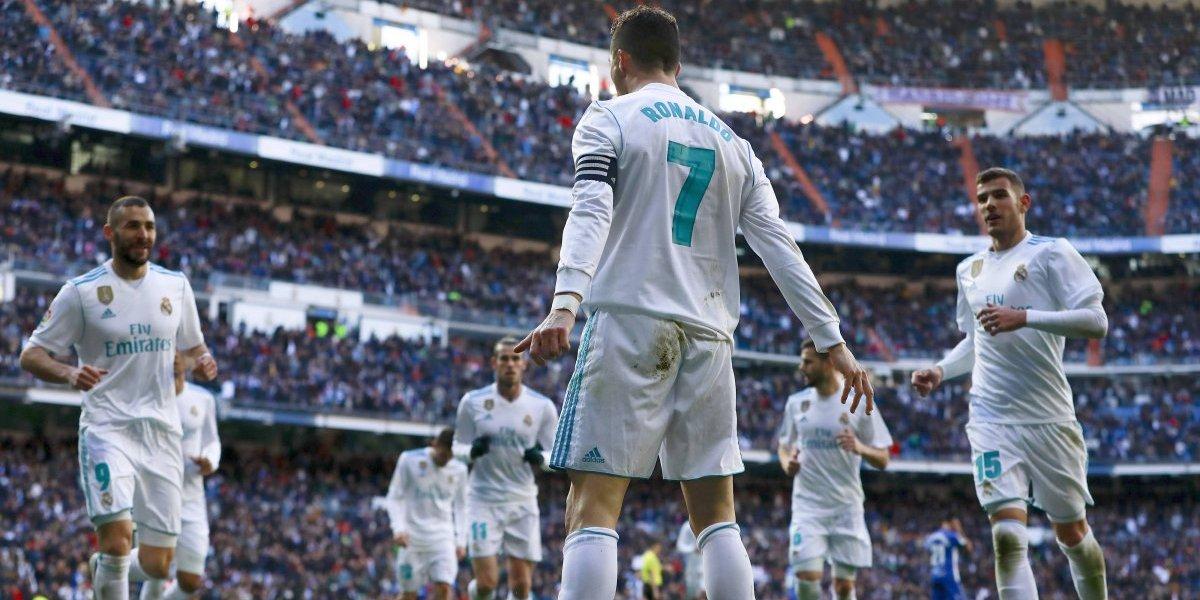Guillermo Maripán vio desde la banca la goleada del Real Madrid sobre el Deportivo Alavés