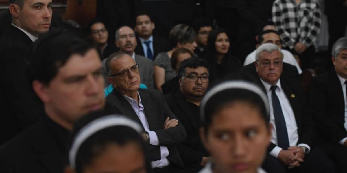 VIDEO. Iván Velásquez acude a honras fúnebres de Monseñor Óscar Vian