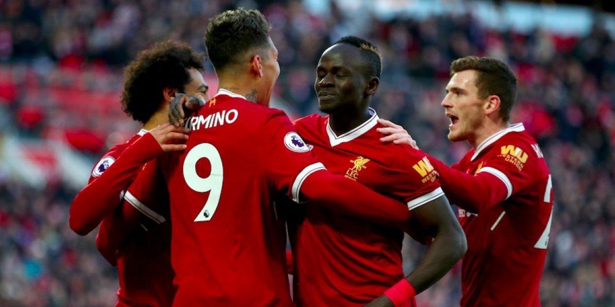 Liverpool golea al West Ham de 'Chicharito' Hernández