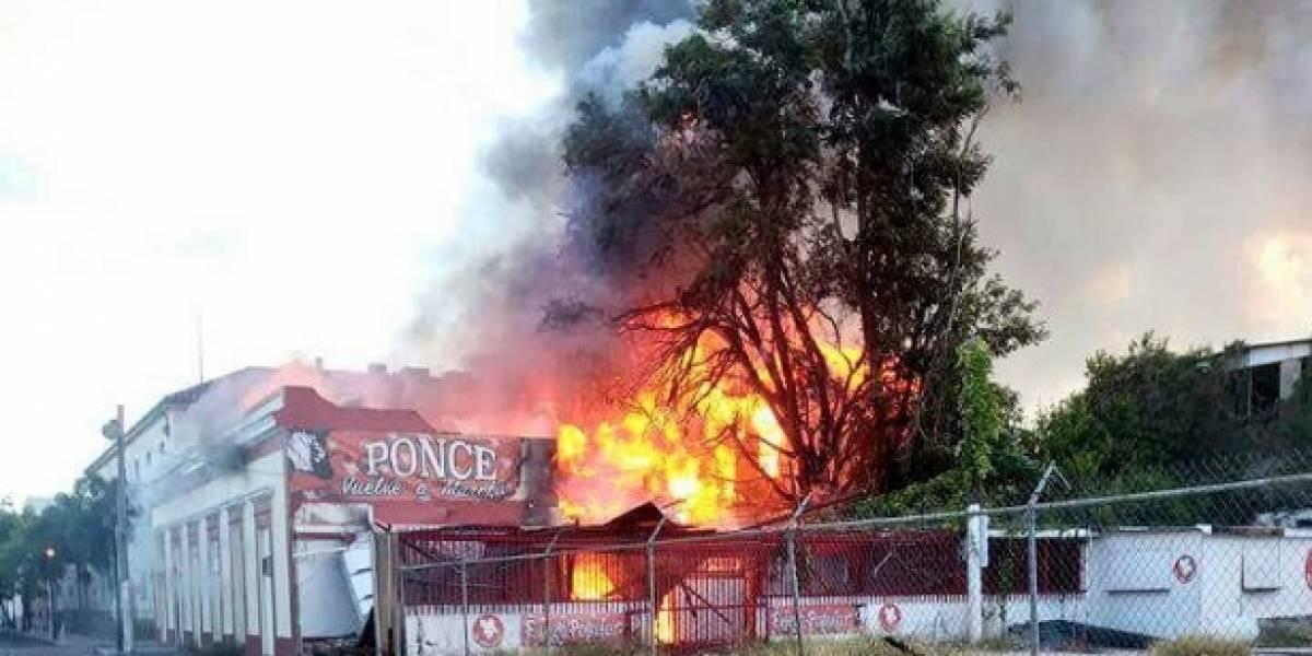 Se incendia lo que fue la sede de los populares en Ponce por 35 años