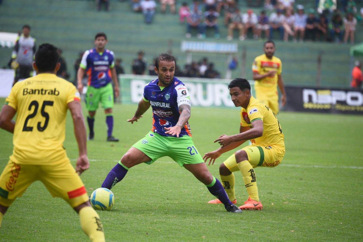 José Manuel Contreras en un duelo ante Marquense