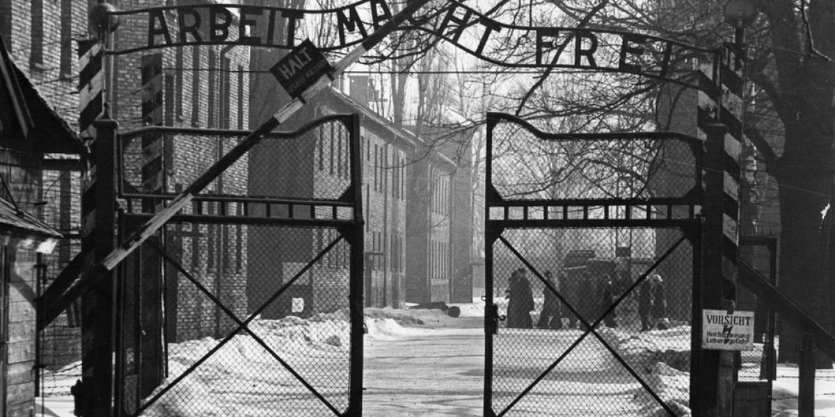 Acusan a mujer de 95 años de complicidad en miles de muertes en campo de concentración Nazi