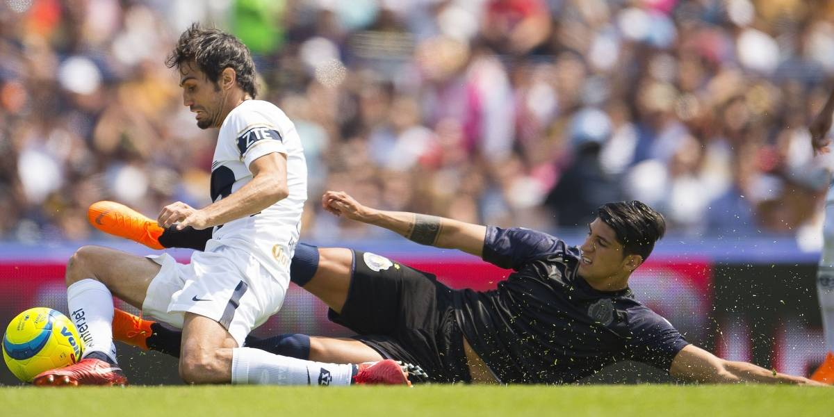 Revelan por qué Pulido no jugó el segundo tiempo del Pumas-Chivas
