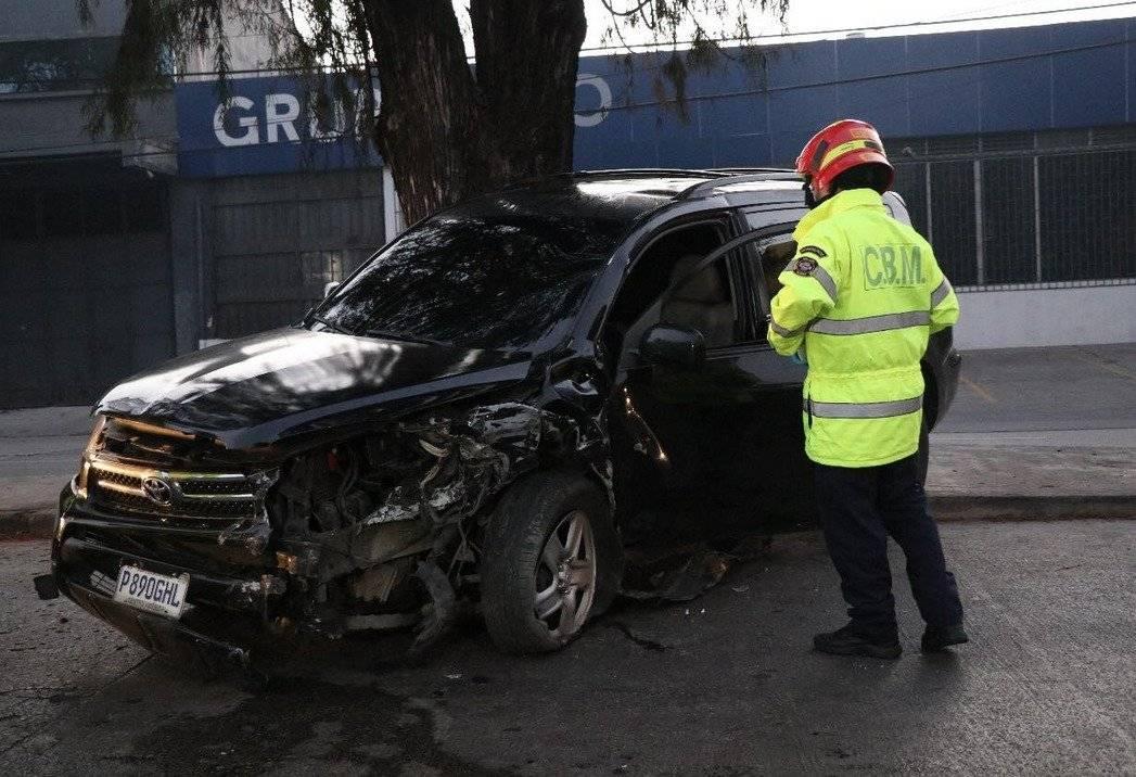 El pasajero de este automóvil fue detenido.