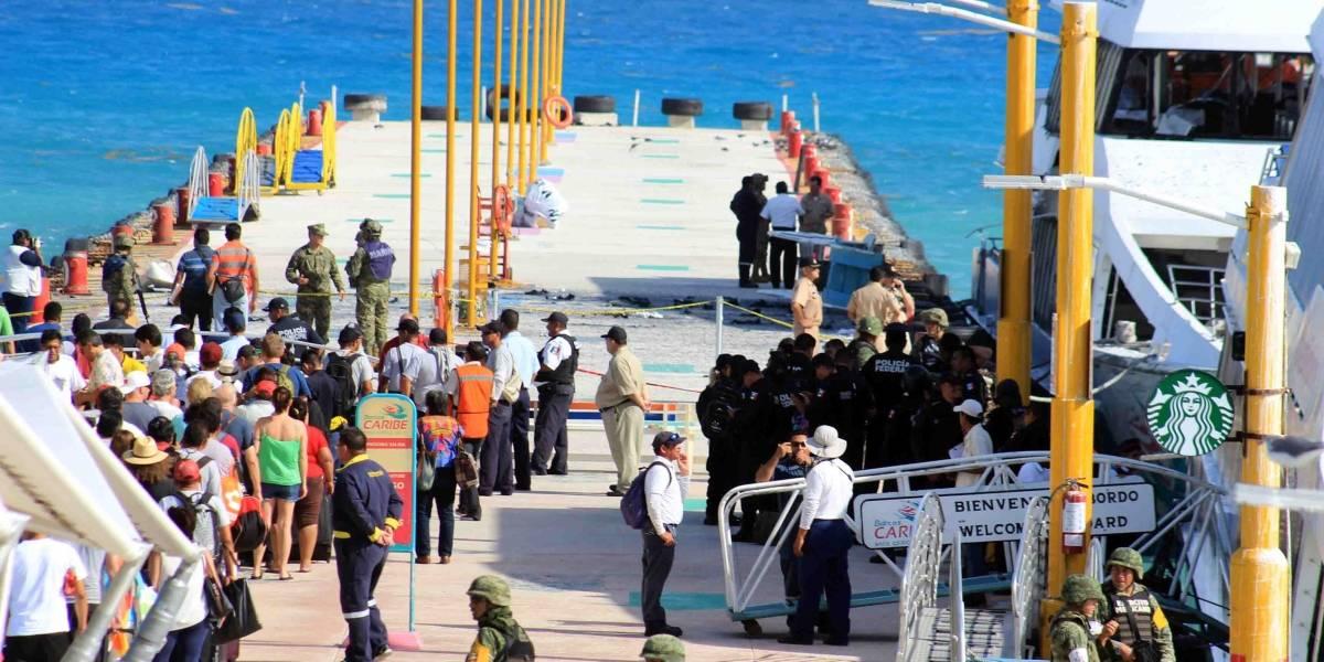 SCT suspende operaciones de naviera por explosión de ferry en Playa del Carmen