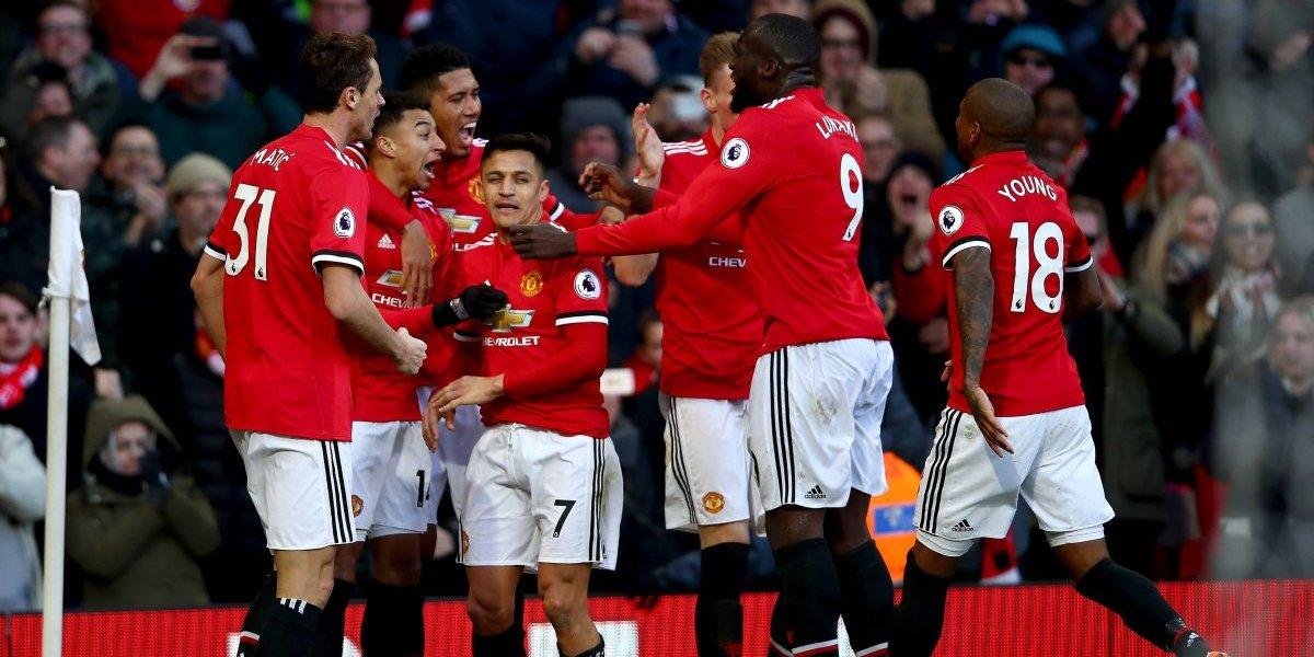 Manchester United derrota a Chelsea en un encuentro marcado por la incomodidad de Alexis