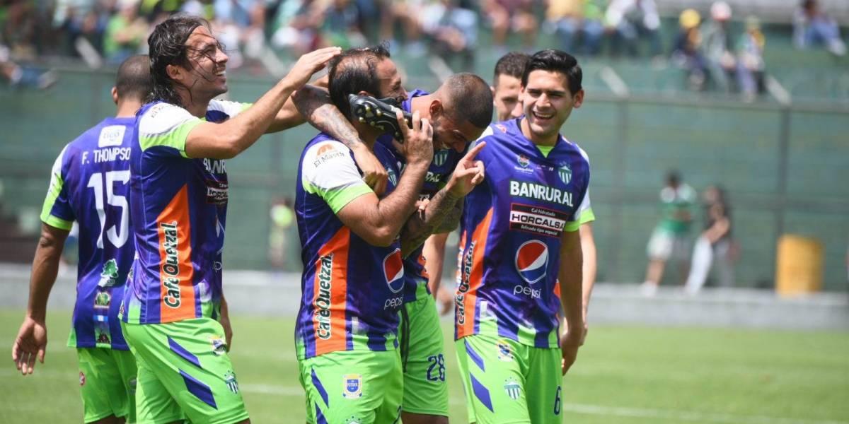 """¿A quién """"llamó"""" Contreras para celebrar su gol?"""