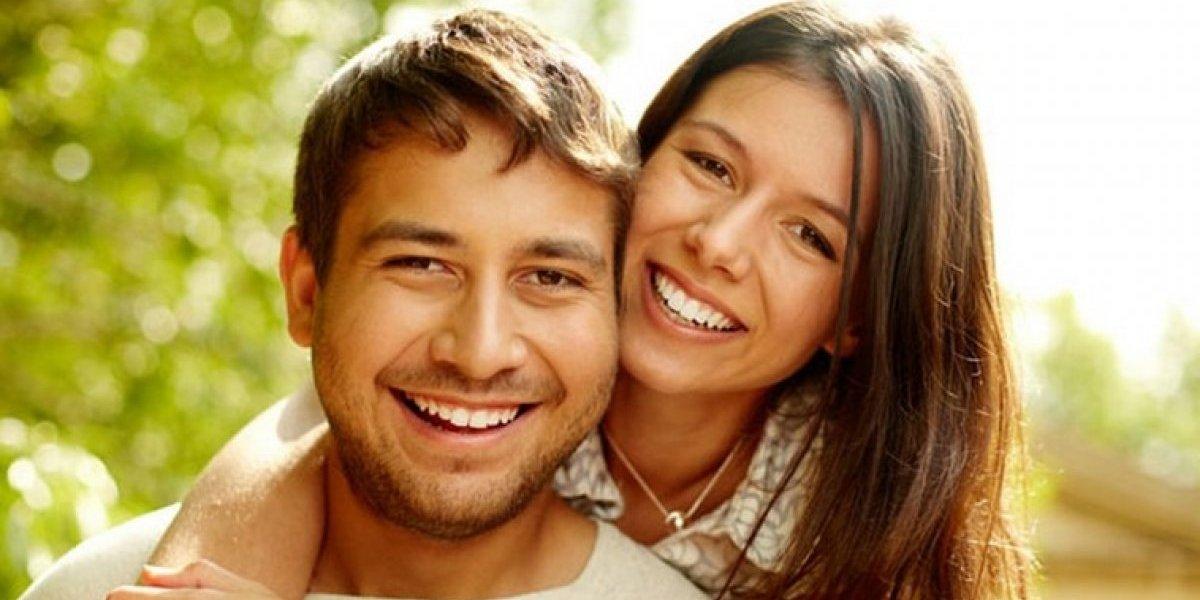 Las relaciones de pareja están aturdidas por las redes sociales, asegura Mia Astral
