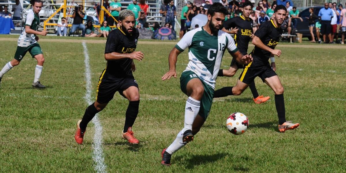 Tarzanes del Colegio capturan bicampeonato en fútbol universitario