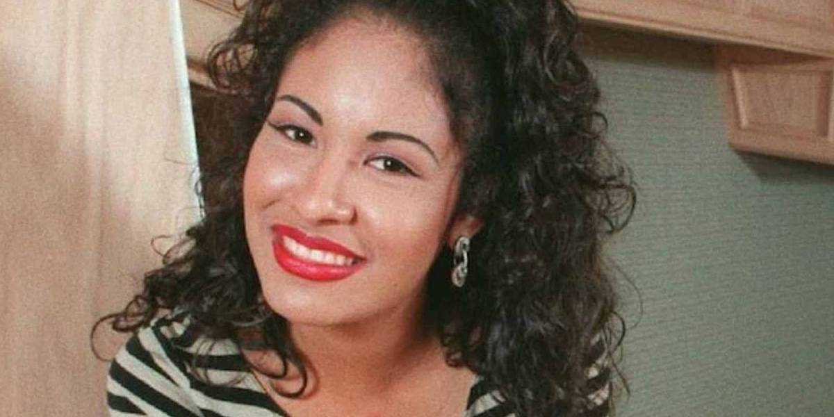 Sale a la luz una foto nunca antes vista del funeral de Selena Quintanilla