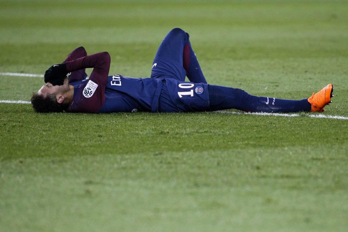 Neymar podría quedarse fuera del juego ante el Real Madrid.