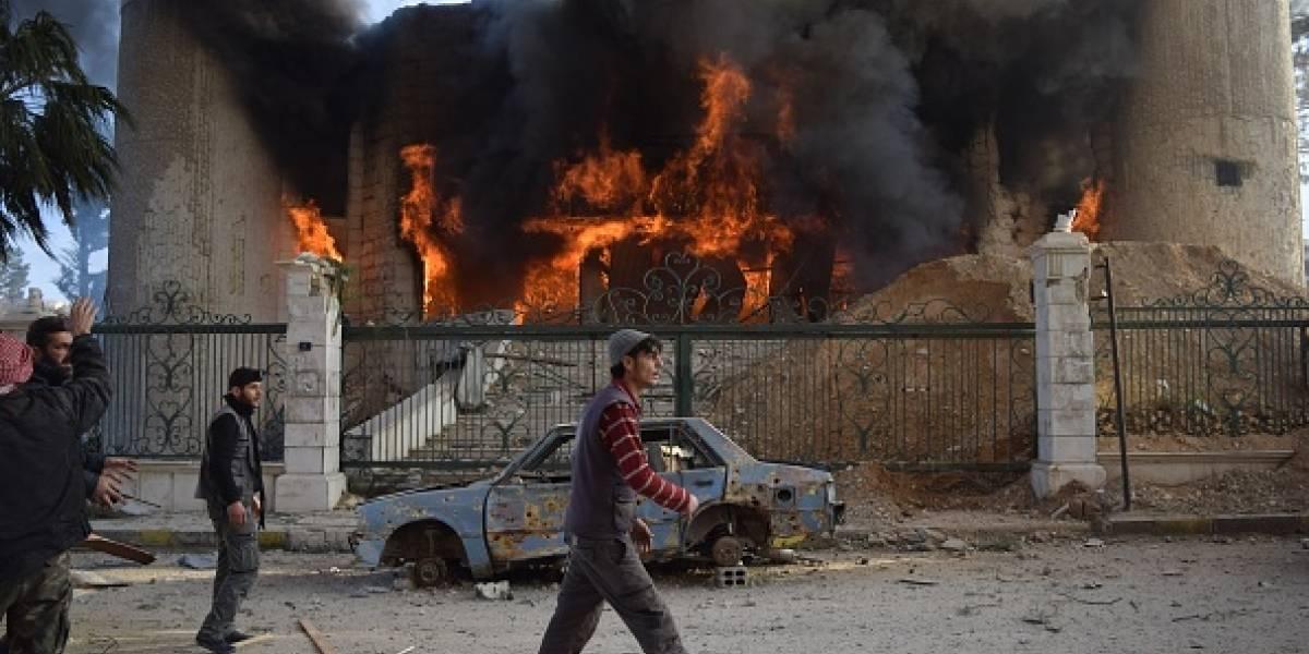 Los ataques continúan en Siria a pesar de la resolución de paz de la ONU