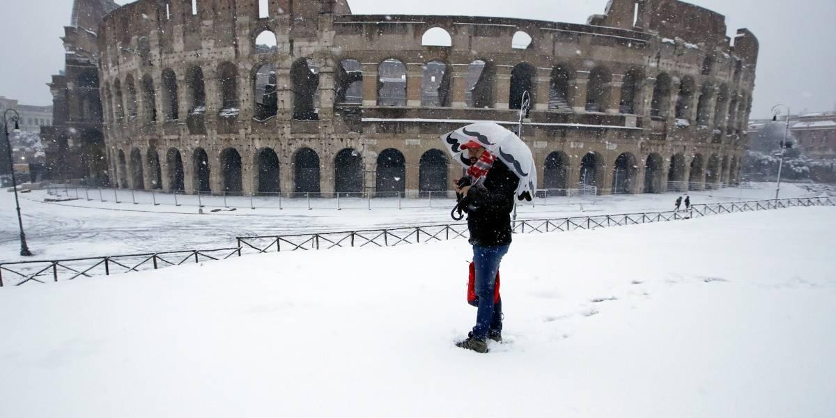 Roma se pinta de blanco por inusual nevada
