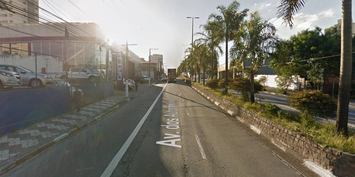 Acidente de carro em Osasco deixa uma pessoa morta e quatro feridas