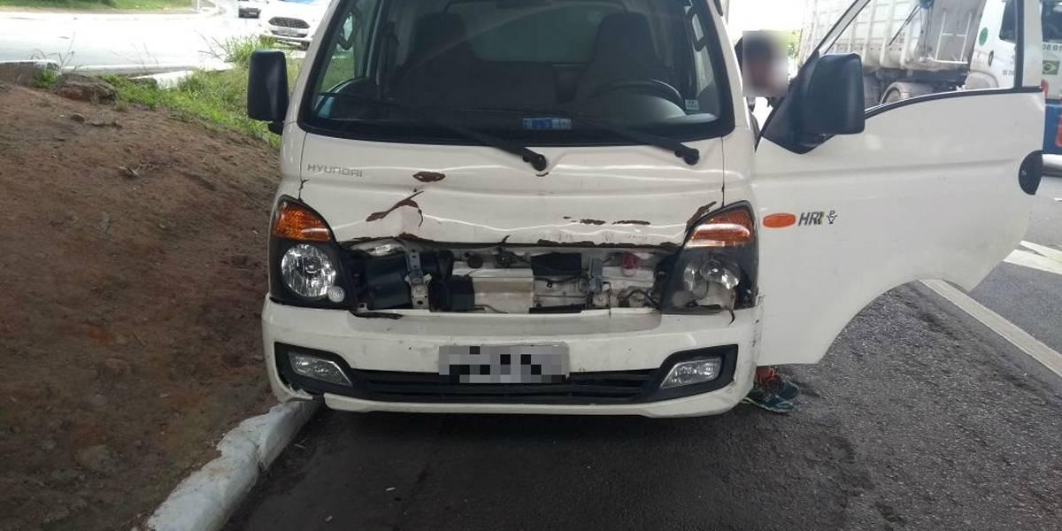 Caminhão com quase R$ 2 milhões em multas é apreendido pela polícia