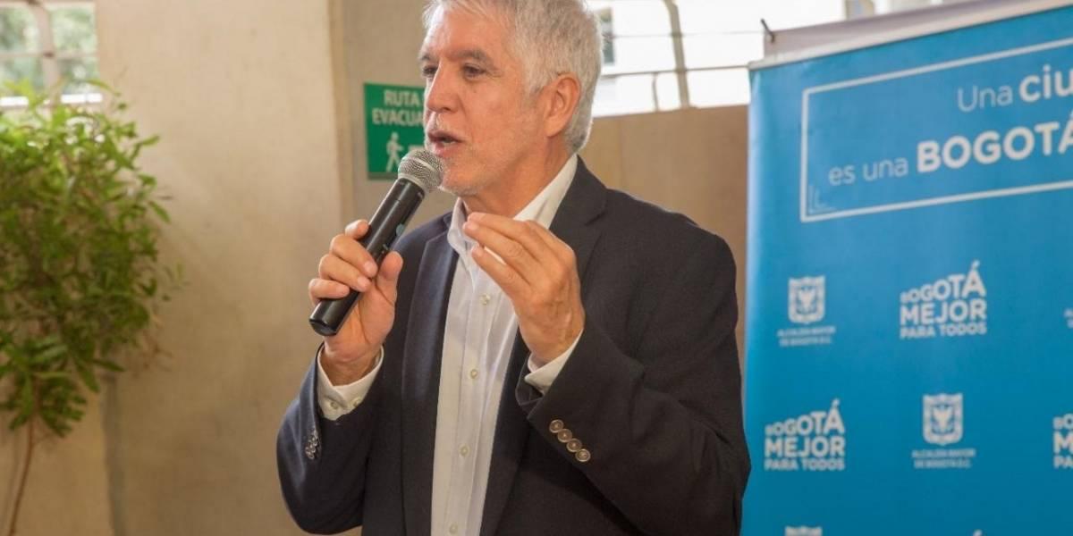 No importa que sea el alcalde con la peor popularidad, Peñalosa recibirá premio a su gestión en EE. UU