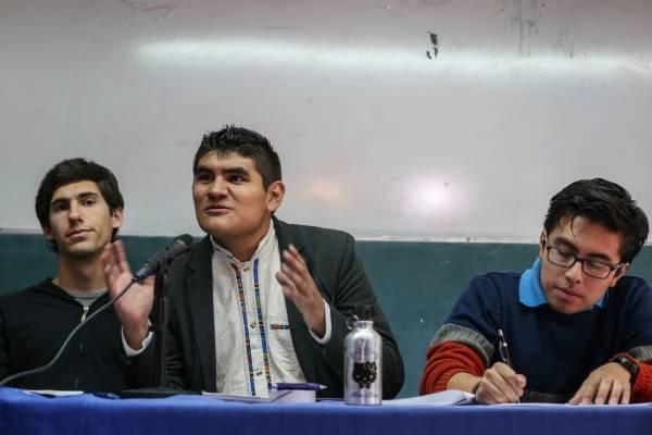 Conferencia de estudiantes de la UNAM.