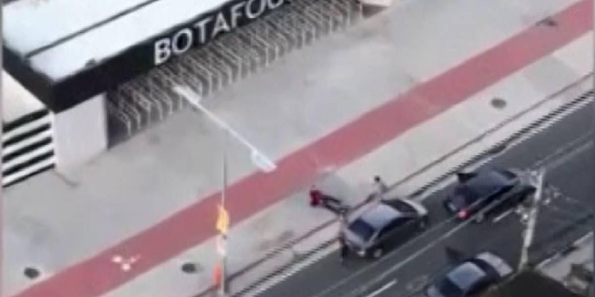 VÍDEO: Bandidos roubam carro em frente ao estádio do Engenhão