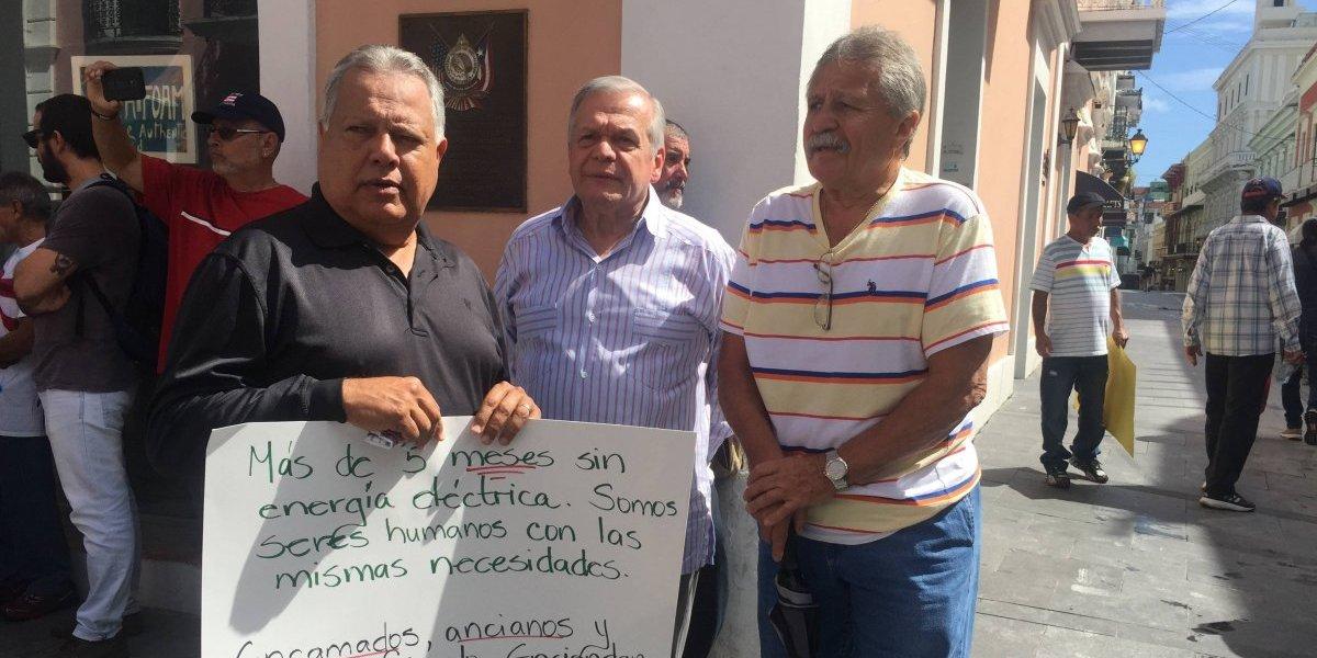 Minoría con energía eléctrica en Comerío pagó para instalación